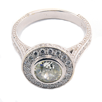 Center round diamond filigree engagement ring